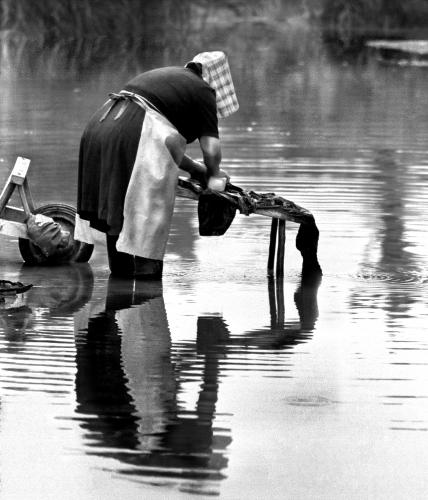 Lavage à la rivière